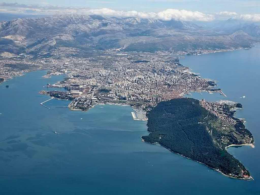 split-marjan-panorama-gradovi-pozadine