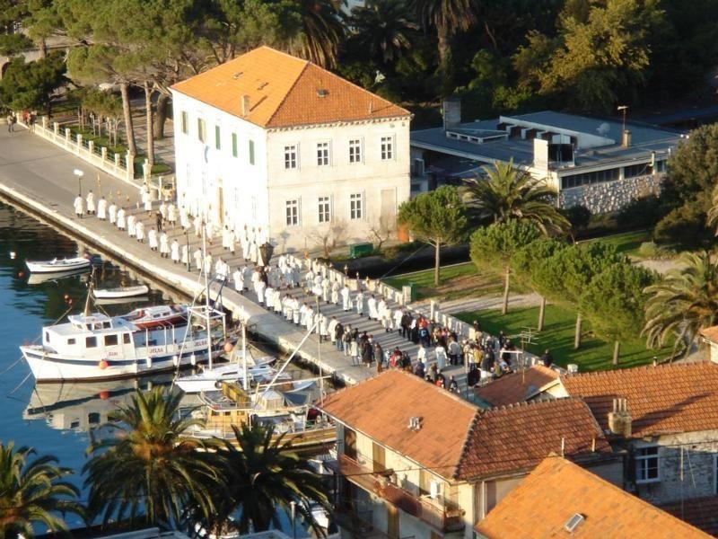 za-krizen-easter-procession